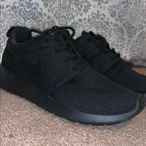 b92cacae5eca Nike knit sneakers